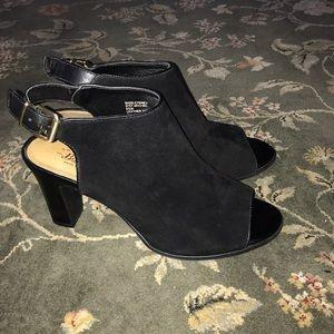 Beautiful! Suede Bass Shoes.